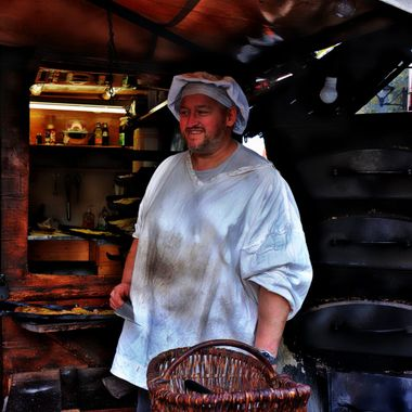 A baker at the Soest Xmas Market.