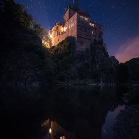 I spent a whole afternoon, evening and night at this castle to watch how the light changes during the course of the day. If you are interested ho...