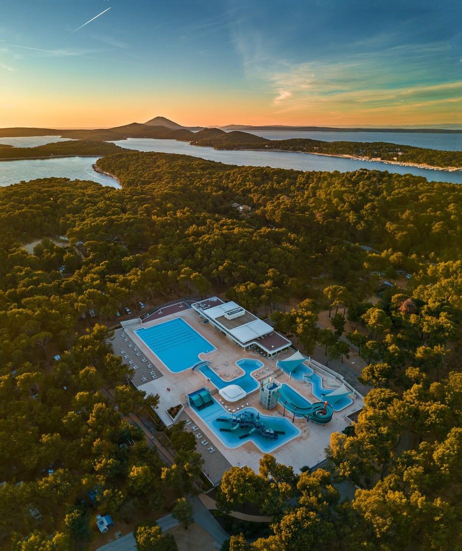 Island Of Vitality door srdjanvujmilovic - Unieke locaties fotocompetitie