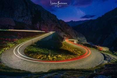 Gotthardpassstrasse at night_sig