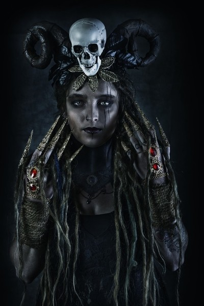 voodoo priesterin