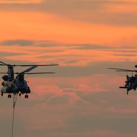 A CH-47 Chinook and AH-64 Apachee