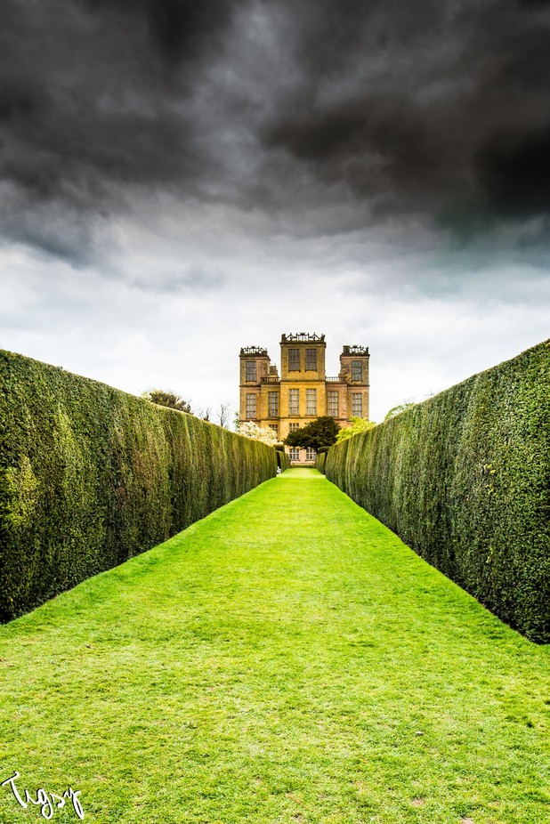 Hardwick Hall by Tigsy - Compositions 101 Photo Contest vol4