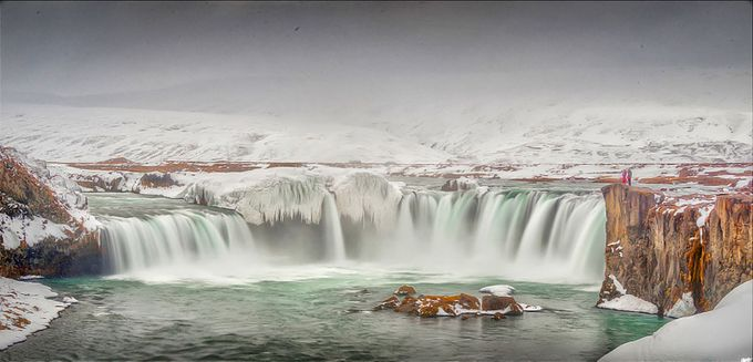 Watching the show by xanwhite - Winter Long Exposures Photo Contest