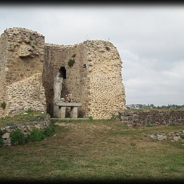 Ruined remains of a French Castle.