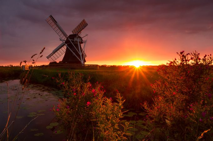 The final rays by harmenpiekema - Windmills Photo Contest