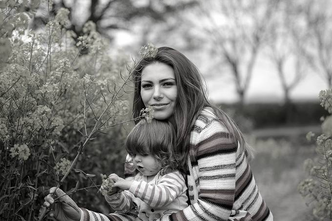 family shots with April at rapeseed field
