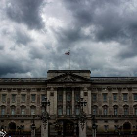 I took this shot on a day where the weather was gloomy and it gave Buckingham Palace an eerie feeling towards it
