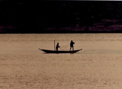 141 sunrise fishing on Lake Victoria, Zaire