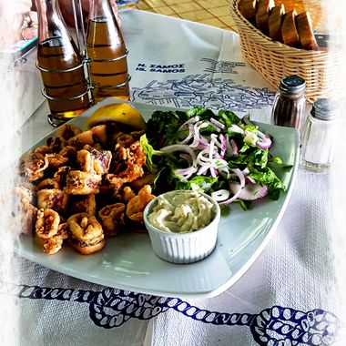 Calamares served at Taverna Haravgi.