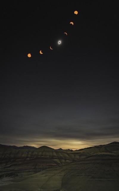 PaintedHillsEclipse