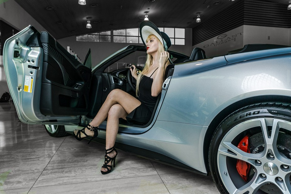 Photoshoot for Cars and Couture at Dimmitt Pinellas Park Model: Jadyn Nicole Heffern Car: Aston M...
