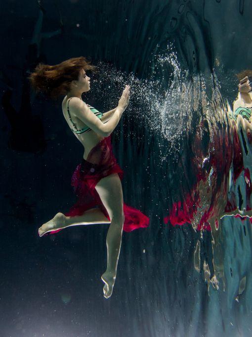 Shot underwater, using three Inon S-2000.  Model: Emma Jeannette (Mayhem # 3128341)