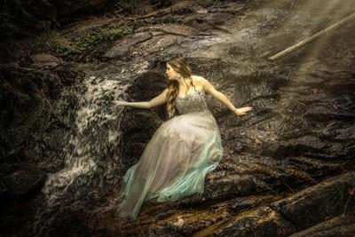 Jasmin - waterfall fantasy