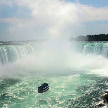 Horseshoe Falls and boats #6