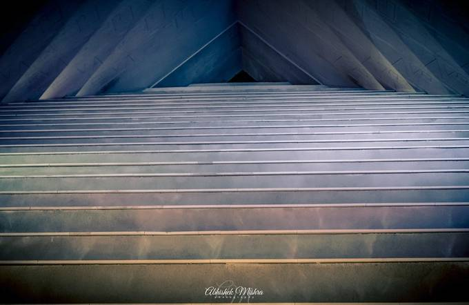 Turning Perpendicular by abhishektropmet - Rule Of Seconds Photo Contest vol1