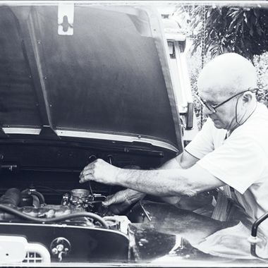 My business partner Rafa adjusting a badly set carb during a Land Rover meeting in the mountains