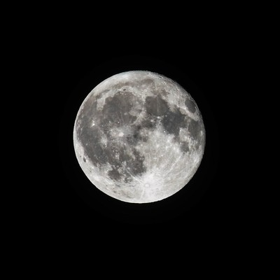 The Moon in all its Glory_1