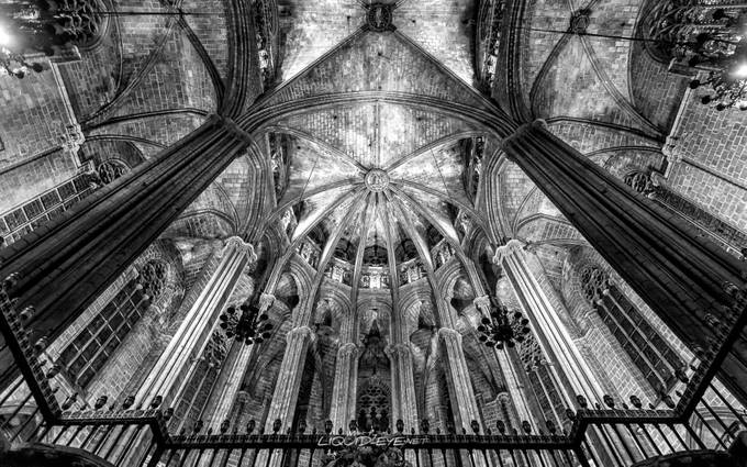 La Catedral de la Santa Creu i Santa Eulàlia by Moretea - High Ceilings Photo Contest
