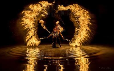 Ripple circle of flames