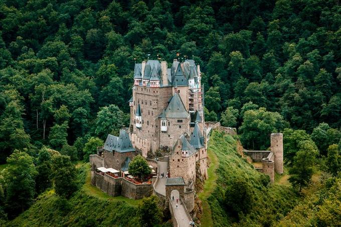 Eltz by andrewboykov - Enchanted Castles Photo Contest