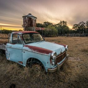 Had been waiting for a cloudy sunset to shoot some long exposure with my new NISI filters. Ventured out yesterday and found this old datsun 1200....