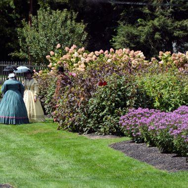 zoar garden ladiies