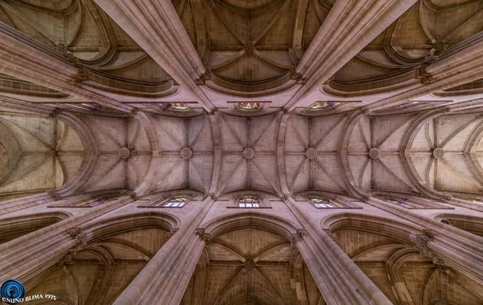 Mosteiro da Batalha - church's body by nunobastodelima - High Ceilings Photo Contest