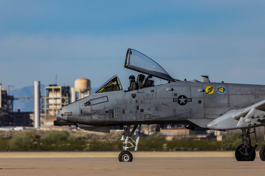 A-10 warthog with pilot waiting for clearance