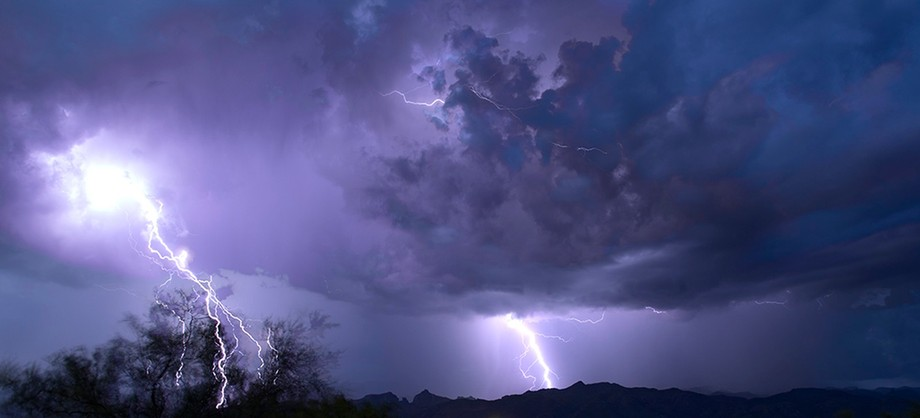 crazy power when lightning strikes with such intensity