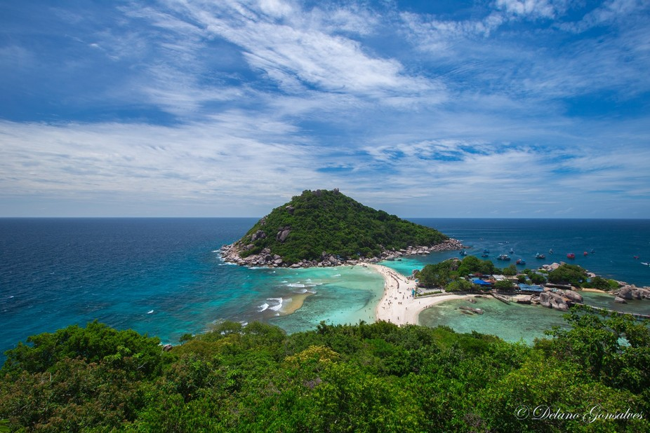A beautiful island just offshore to Koh Tao