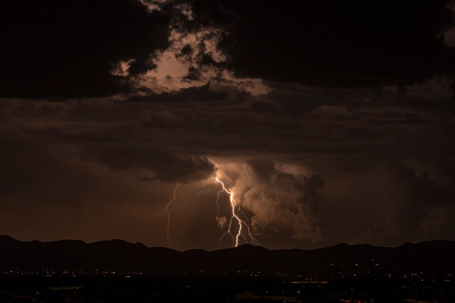 Shot from SE Tucson with a SIgma 600mm lens. I love the sharpness of the lens. F8, ISO 200, 5sec exposure. Distance ~ 50 miles