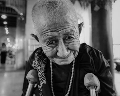 Woman from Mahamuni pagoda