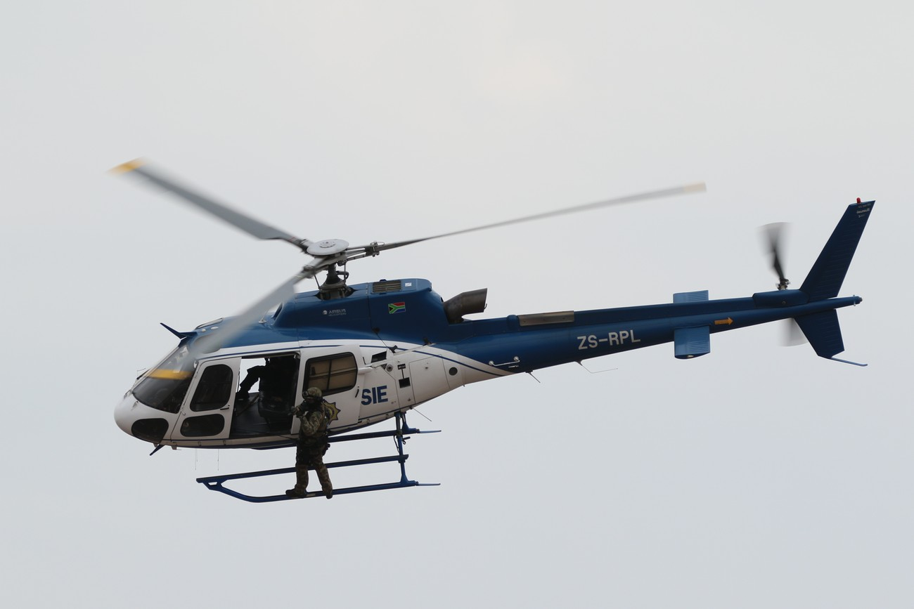 A SAPS helicopter going through it paces during the 2016 AAD show.