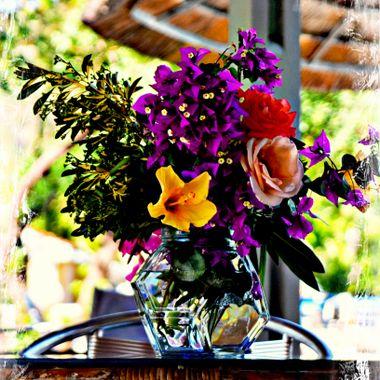 Beautiful Vase full of flowers.