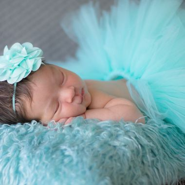 Newborn photo shoot in natural light.
