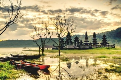 Sunrise at Tambingan Lake #3