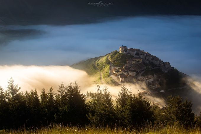 Incantevolmente Castelluccio by maurocirigliano - Fog And City Photo Contest