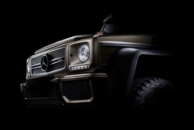 Fine art photo of the Mercedes-Benz G63 6x6 using the focused diffused lighting tecnique.