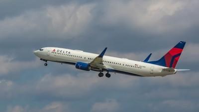 Delta Air Lines Boeing 737-932(ER)(N823DN)