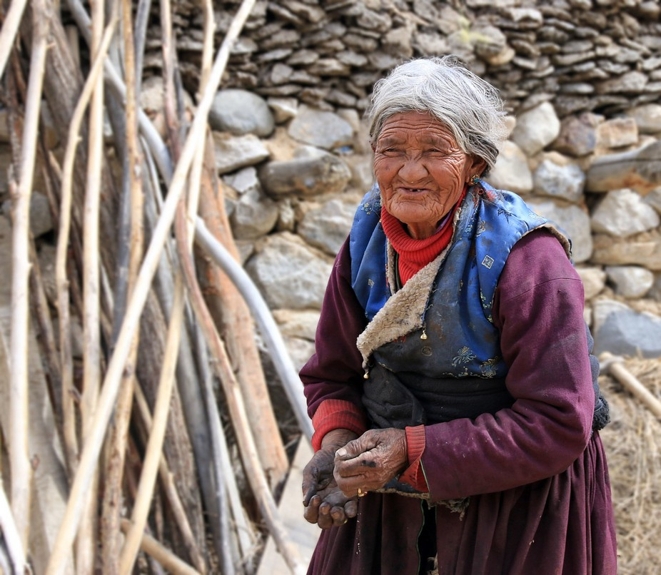 This lady was roasting barley to make tsampa. We bought some off her and it tasted excellent!