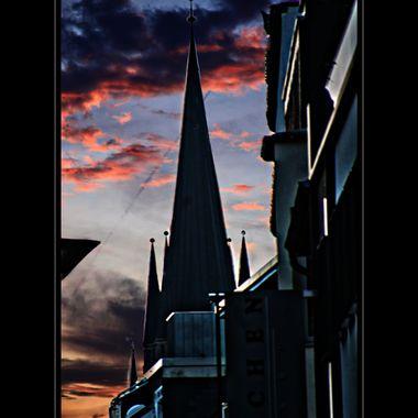 Paderborn skyline at night.