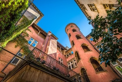 The pink tower in the Old Lyon
