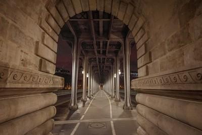 Bir Hakeim bridge in Paris