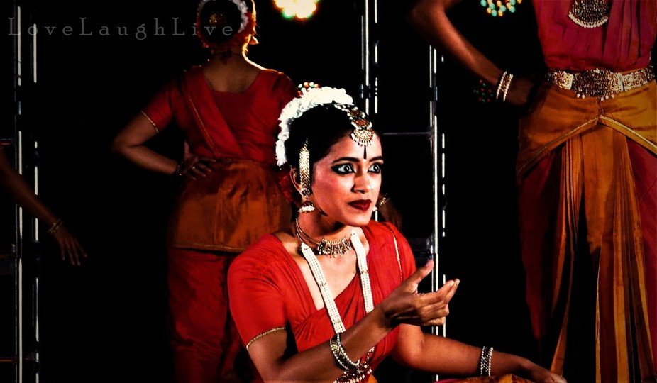 This is taken at a performance by the Sankhya Dance Company of Mumbai, India.  Venue: Heritage Ha...