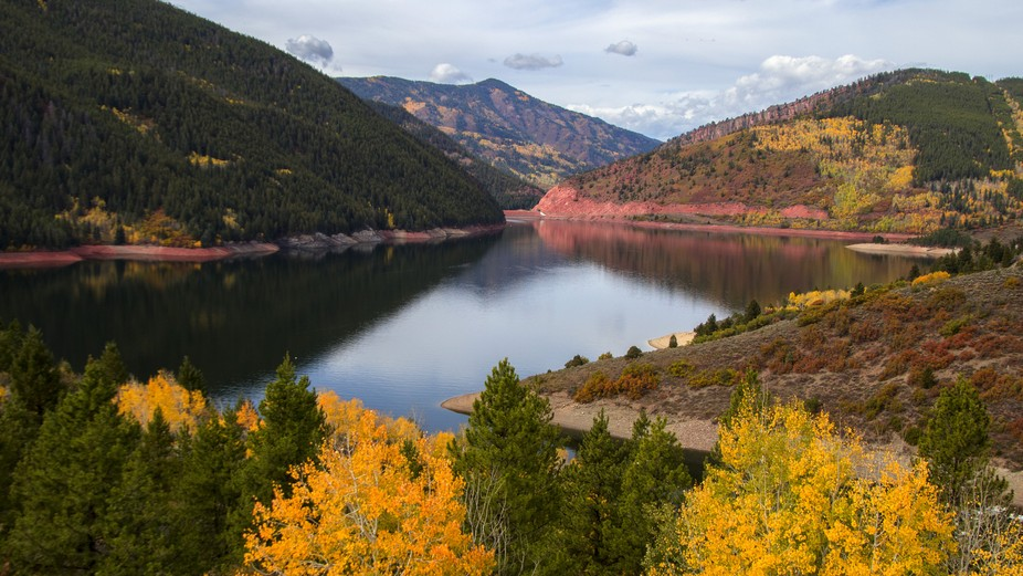 This is one of my favorite lakes in Colorado near my area. I go there as often as I can in all se...