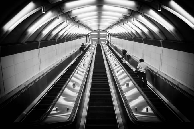 72 St by majkakmecova - Public Transport Hubs Photo Contest