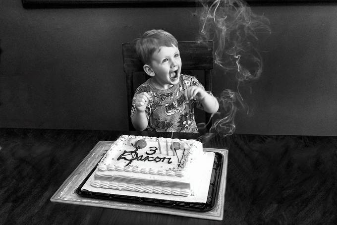 Cake and smoke by SweetRay - Black And White Compositions Photo Contest vol3