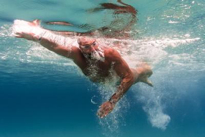 swim in the blue sea