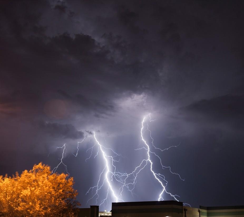 Very powerful lightning strikes as twins